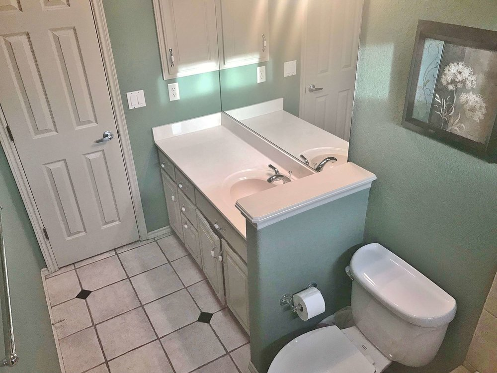 Beau Before   Bathroom To Be Remodeled