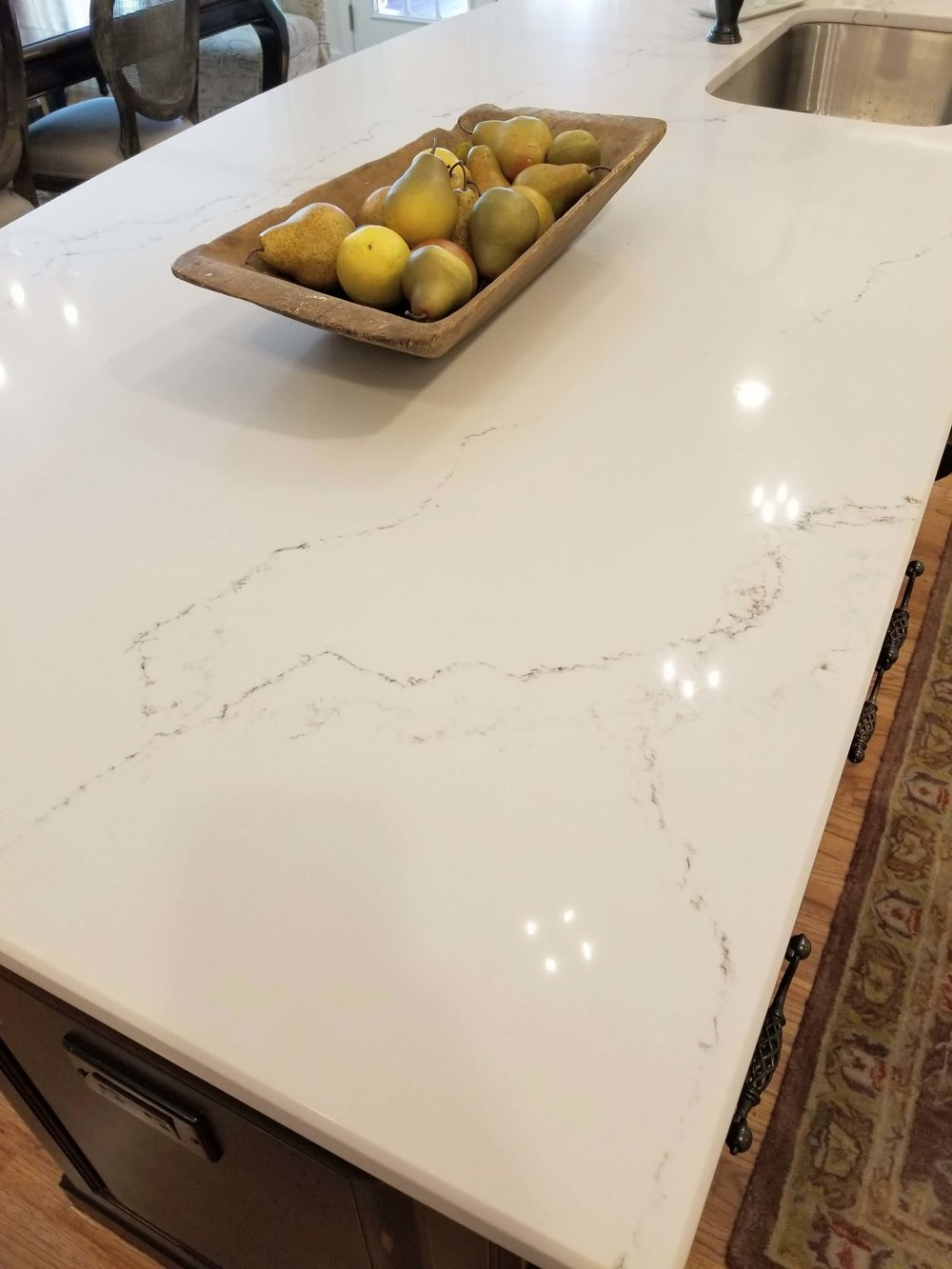 AFTER - New Caesarstone countertop on kitchen island #caesarstone #quartzcountertop #kitchenisland