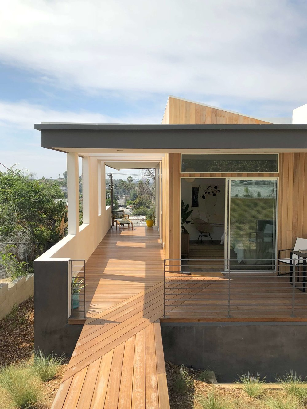 Indoor-Outdoor living with wood decking | California home tour, Architects: CHA:COL, Inc.