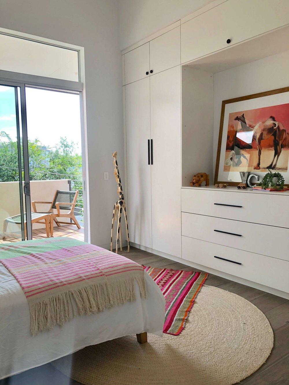 Girl's bedroom with a boho vibe | California home tour #girlbedroom