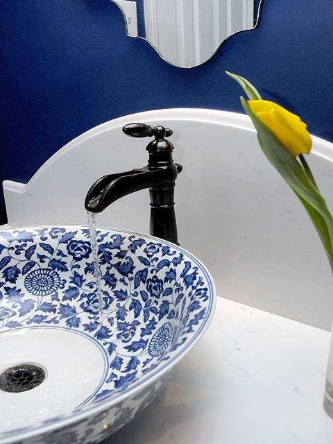 POWDER BATH ROUND UP | Indigo blue walls and blue and white china bowl vessel sink