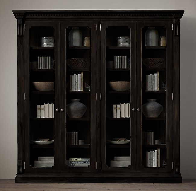 Large cabinet for dining room niche