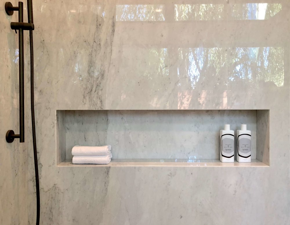 Master bath shampoo niche in California contemporary home, Dwell on Design's Fall Home Tour, Designer: Vitus Matare #bathroomideas #bathroomdesign