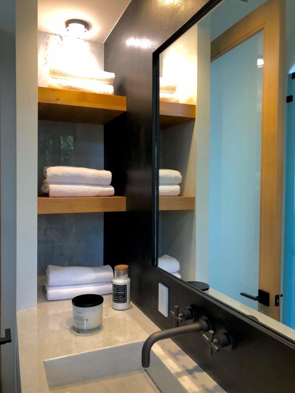 Master bathroom in California contemporary home, Dwell on Design's Fall Home Tour, Designer: Vitus Matare #bathroomideas #bathroomdesign