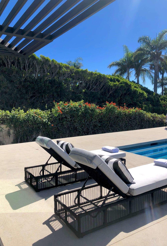 Outdoor patio, California contemporary home, Dwell on Design's Fall Home Tour, Designer: Vitus Matare #patio #loungechairs #poolside