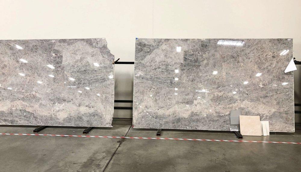 Platinum quartzite slabs for kitchen countertops #quartzite #kitchencountertops