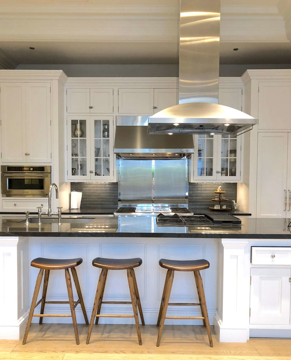 One of the beautiful kitchens in the Monogram Design Center in Chicago #monogramappliances #whitekitchen
