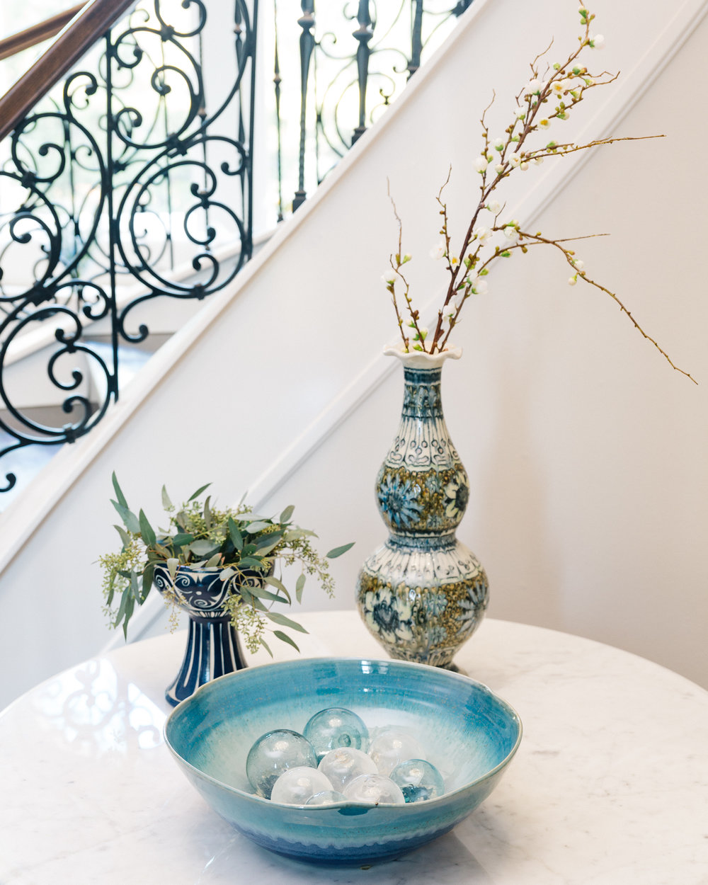 Entry Hall Foyer | Carla Aston - Designer, Shaun Bain - Contractor, Colleen Scott - Photographer #console #foyer #entryhall #foyerideas