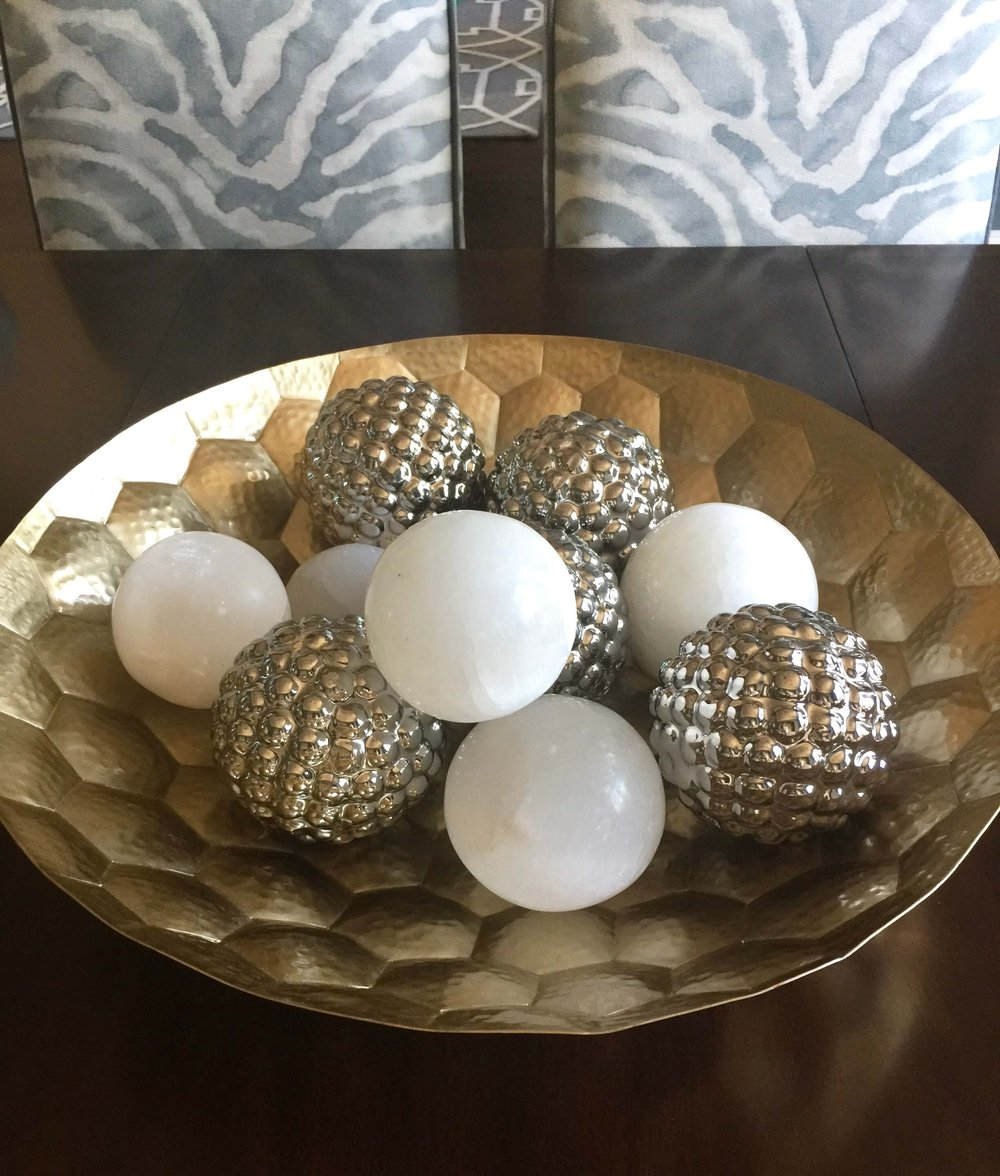Selenite balls brass bowl