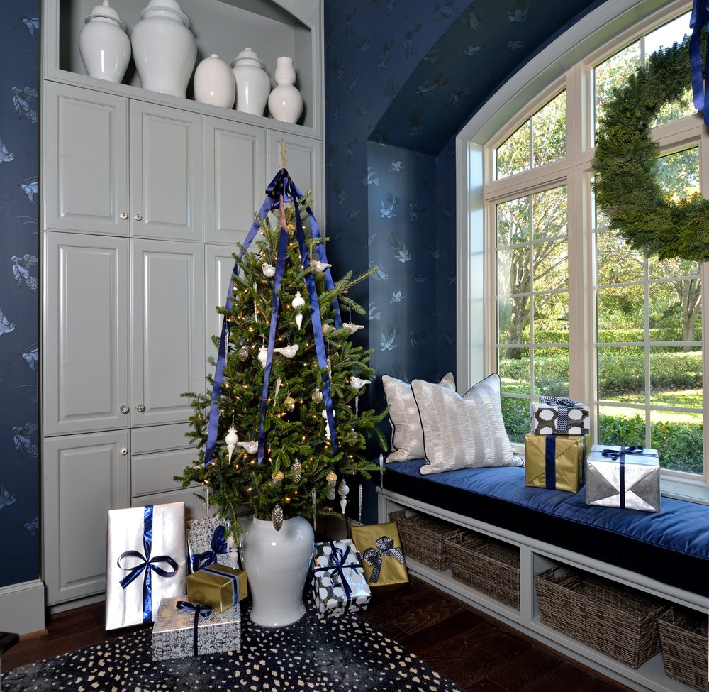 Holiday Showhouse room w/Christmas decor   | Carla Aston, Designer