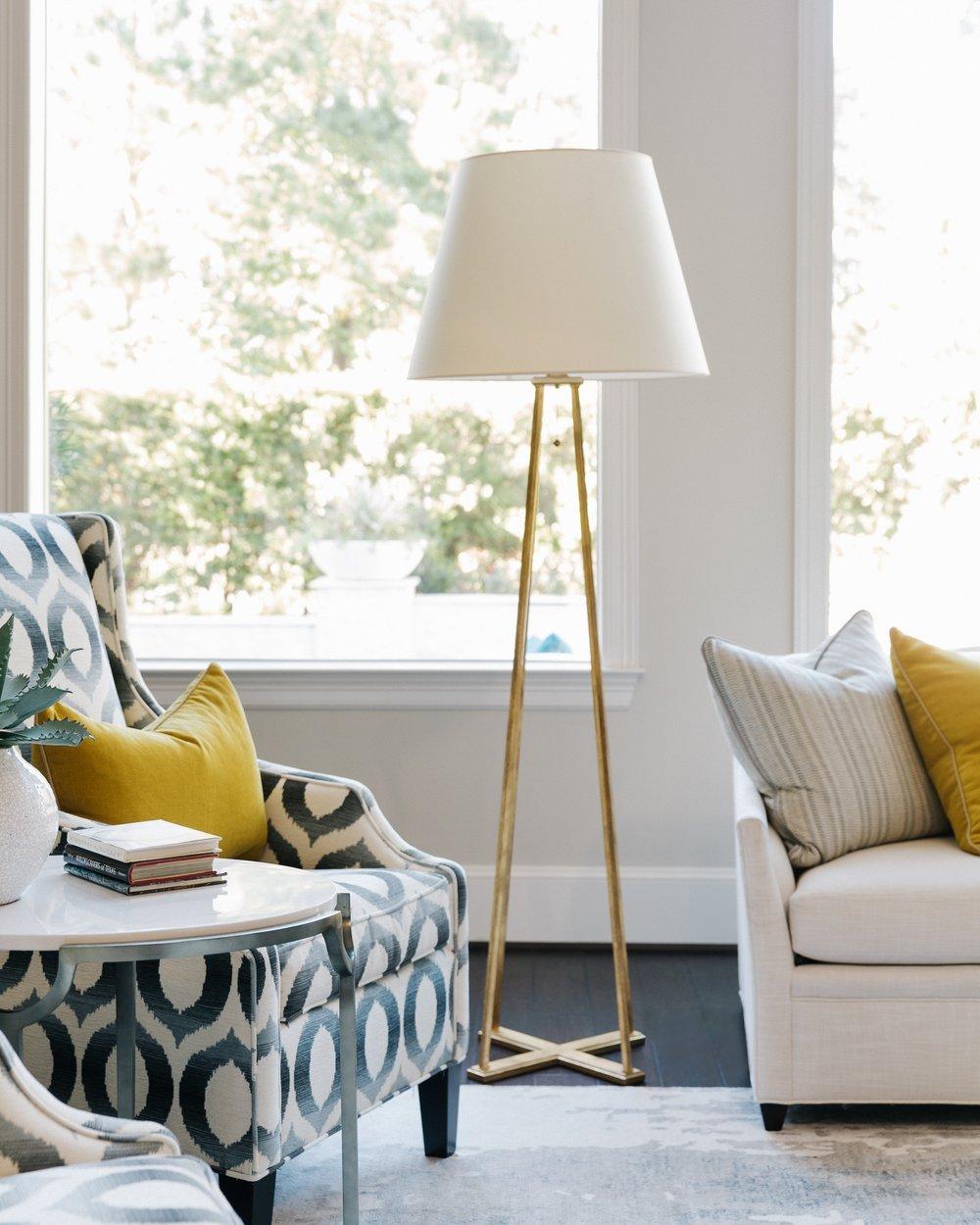 Gilded lamp in living room| Designer: Carla Aston, Photographer: Colleen Scott #living room #livingroomideas #floorlamp