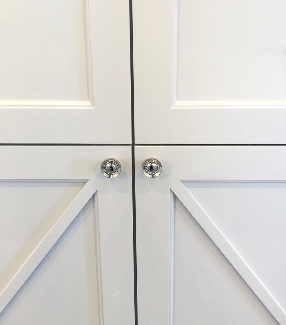 Cabinet knob hardware