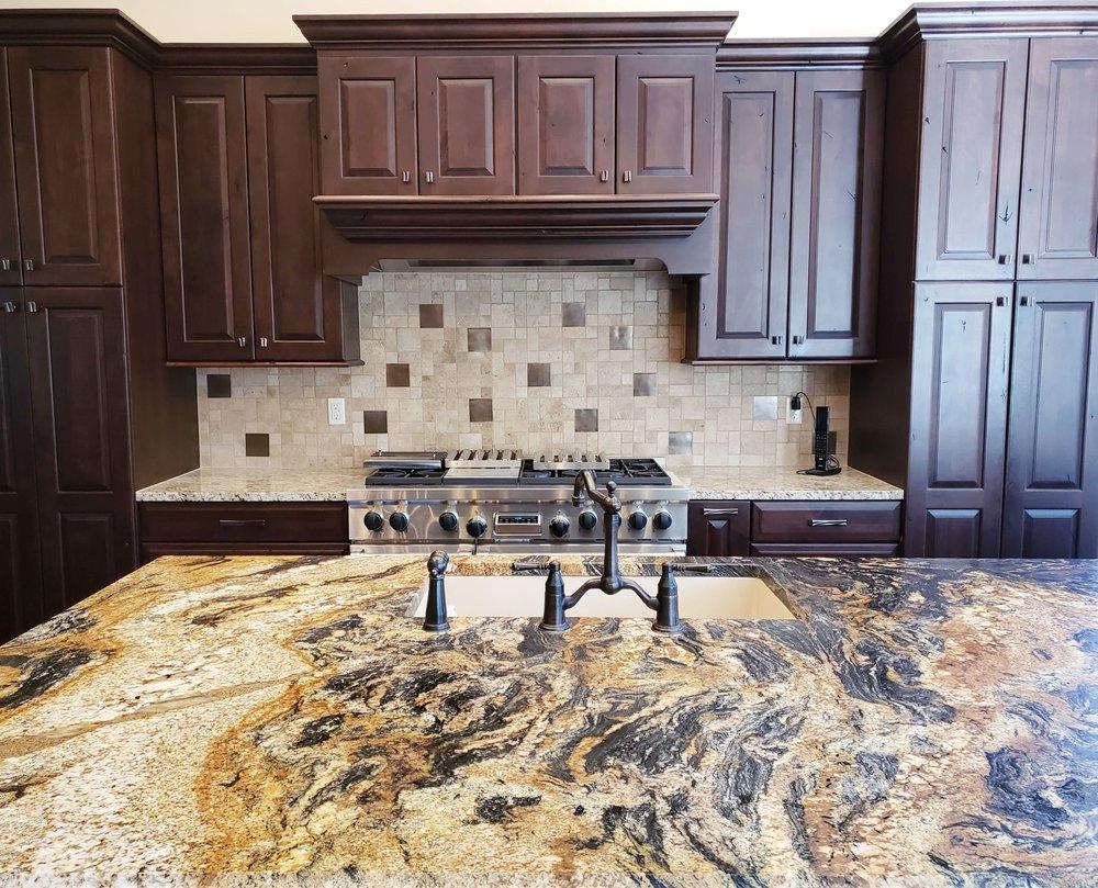 Backsplash Q and A - What tile backsplash would help update this kitchen?