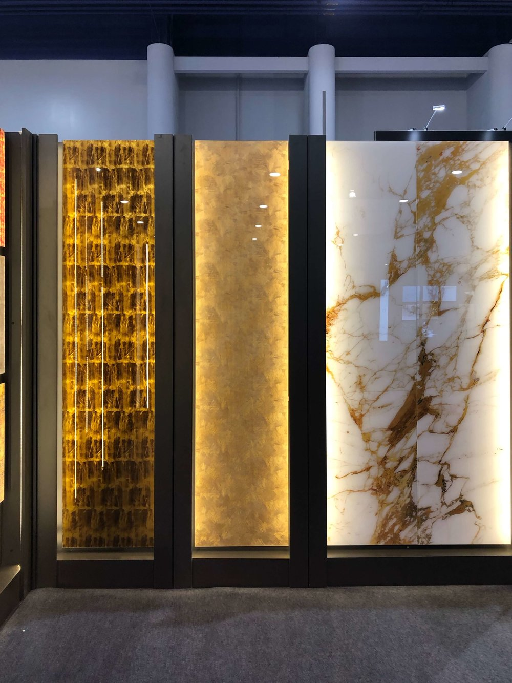 Back painted glass cabinet door options | KBIS 2019 Surfaces Trends