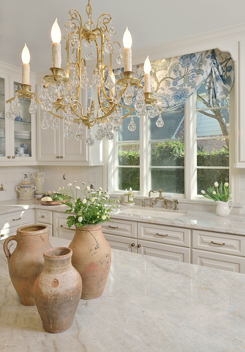 White painted kitchen in SW Creamy | Designer: Carla Aston, Photographer: Miro Dvorscak #whitepaint #whitepaintcolors