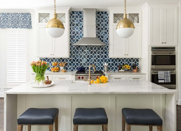 Island vs Peninsula Which Kitchen Layout Serves You Best — DESIGNED
