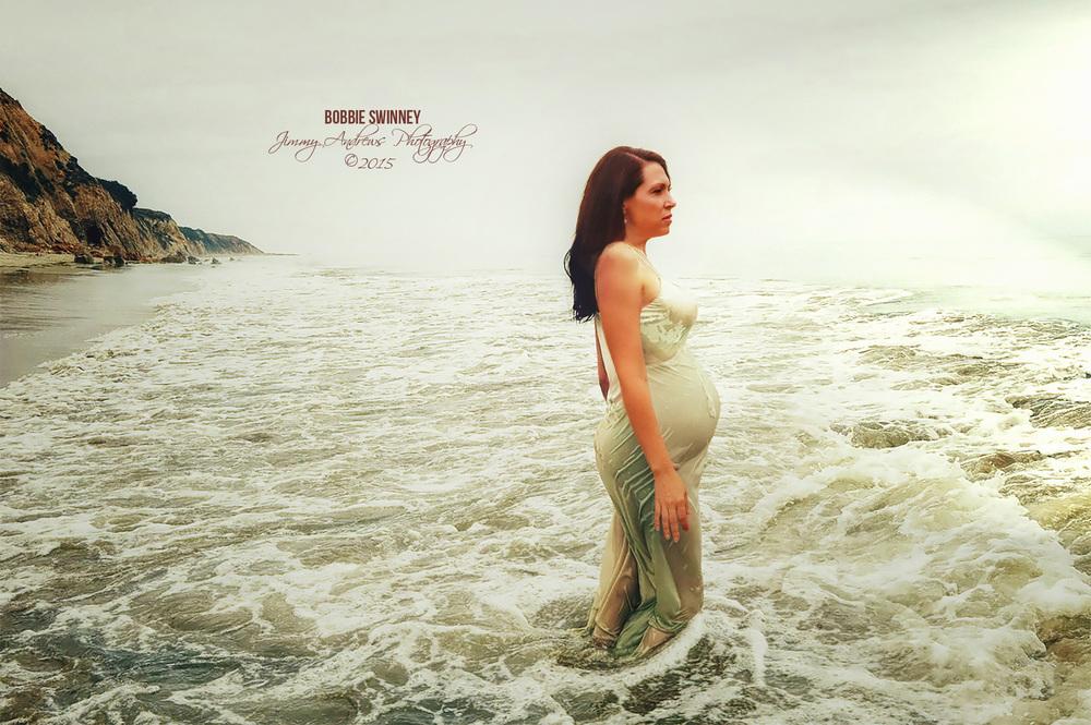Bobbie Swinney Pregnant In Ocean