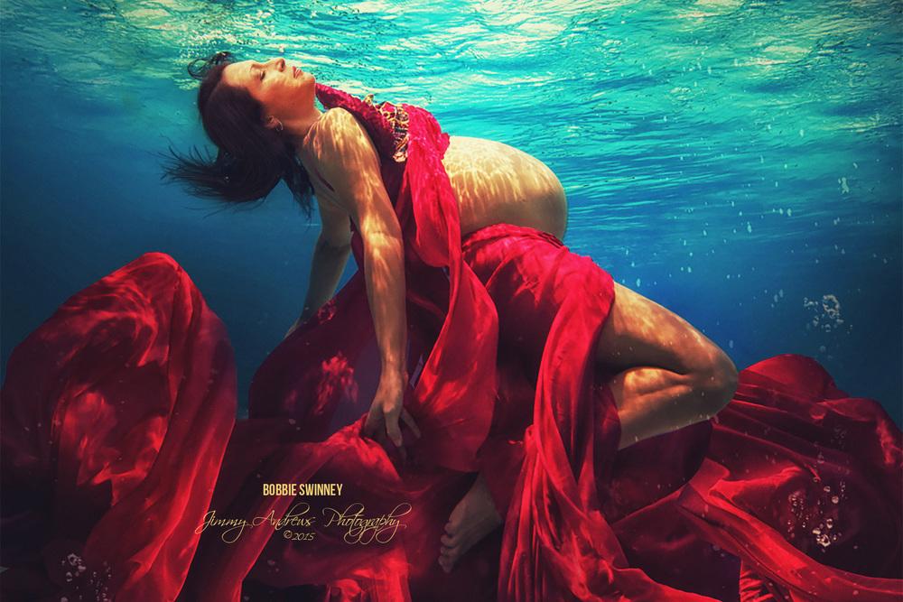 Bobbie Swinney Swimming Pregnant In Ocean