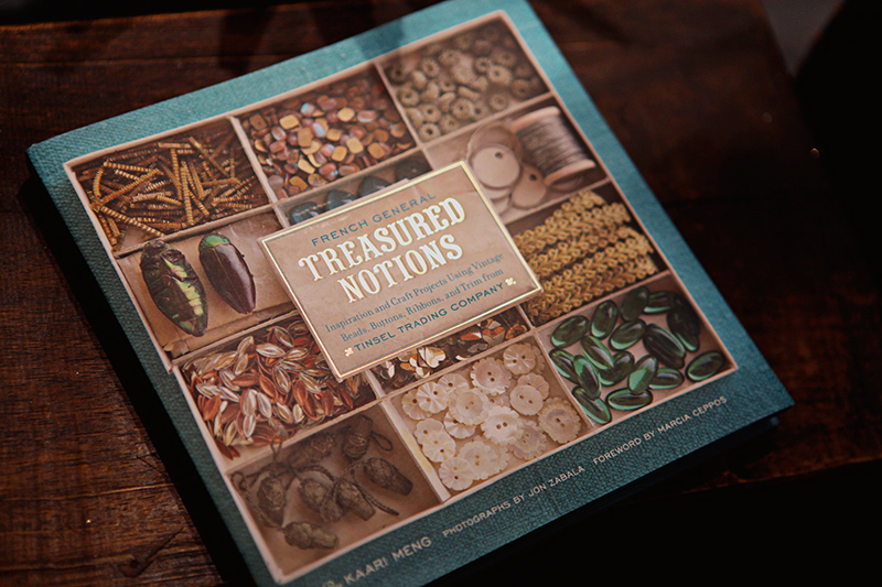 Treasured Notions  features crafts inspired by the vintage beads, buttons, ribbons and trim from Tinsel Trading.