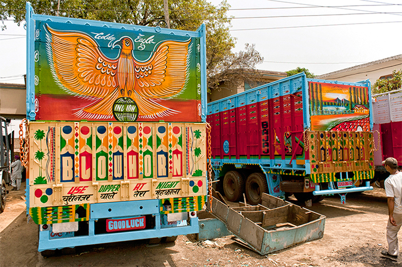 The_Truck_Art_of_India-4.jpg