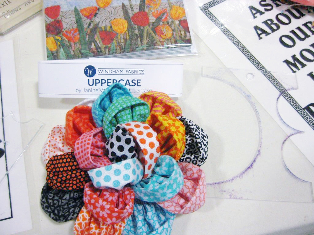 Fabric Flowers By Laura S Sage Country Quilts Uppercase