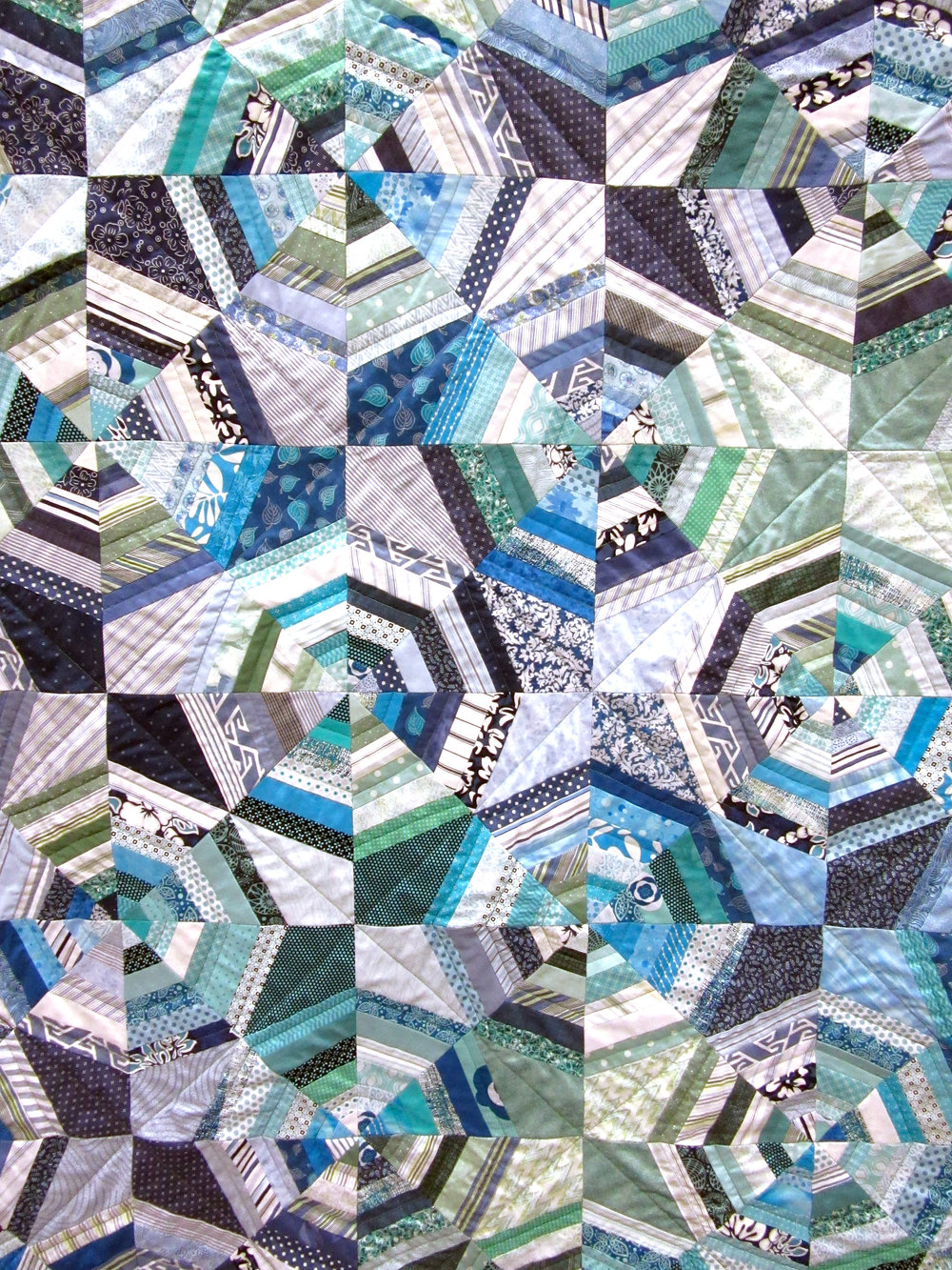 momquilt-blue-closeup.jpg