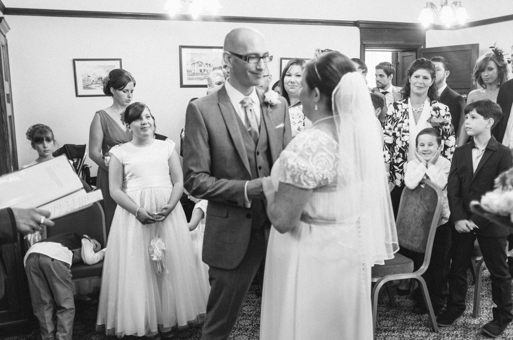 Wedding-photographer-essex_0015.jpg