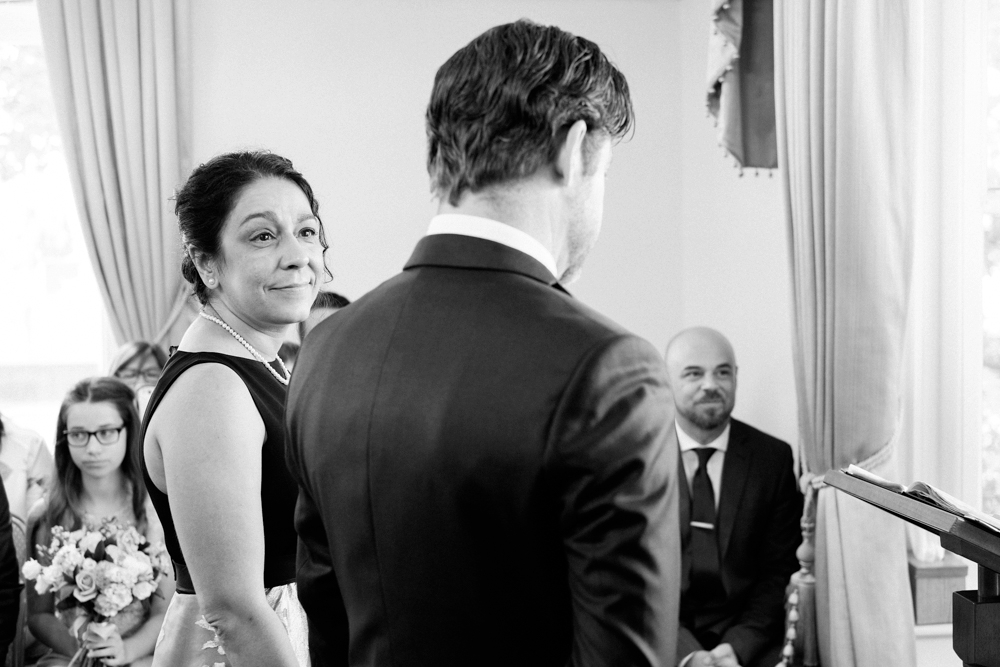 Unposed-Candid-Wedding-Photography