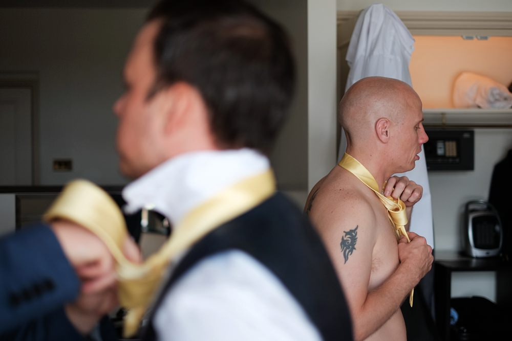 groom-groomsmen-prep-wedding_0057.jpg
