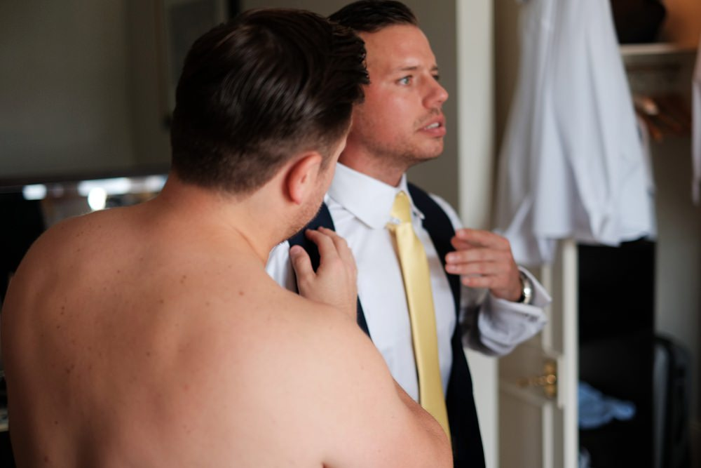 groom-groomsmen-prep-wedding_0059.jpg