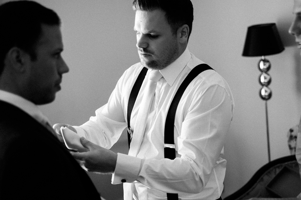 black-white-reportage-wedding-photographer_0087.jpg