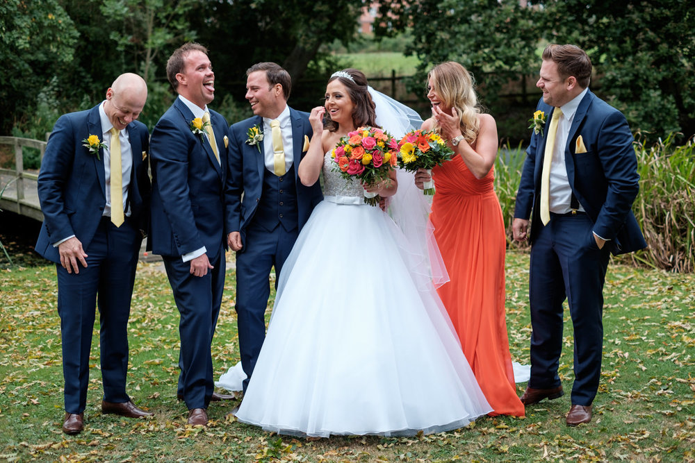 relaxed-fun-wedding-group-photo-essex-pontalnds-park
