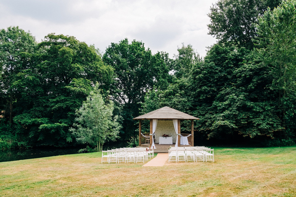 That-Amazing-Place-Outdoor-Wedding-Venue-UK.jpg
