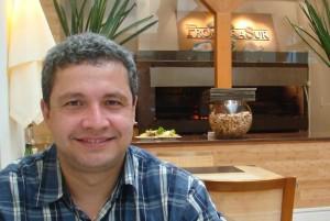 Dr. Carlos Vassalo