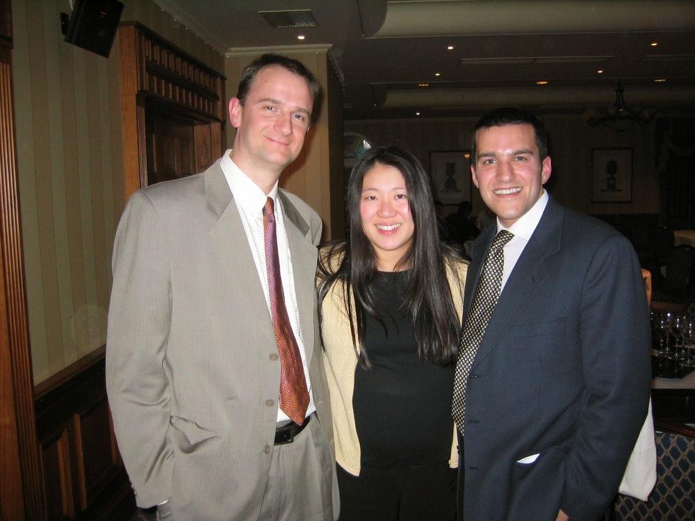 Dr. John e Paula Charity  e Dr. David Gusmão - Agradeço muito ao casal que sempre me ajudou muito em Exeter! Dr. John é médico no PEOC parte da equipe de quadril e de pesquisa.