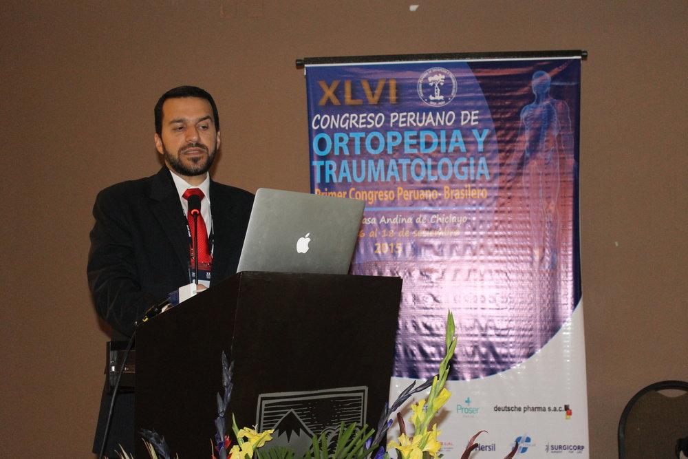 Apresentação Dr.David Gusmão no módulo de Preservação de Quadril no Congresso Nacional do Perú em setembro de 2015 na cidade de Chiclayo.