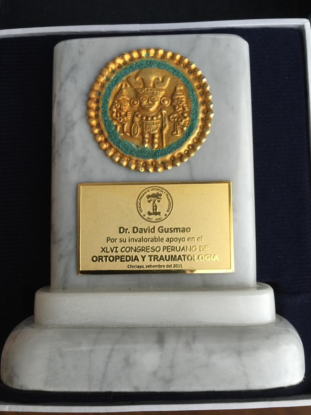 Placa de Agradecimento Dr. Gusmão Peru 2015