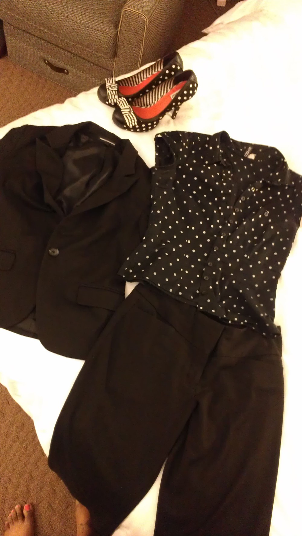 Outfit for the day - black and polka dots!