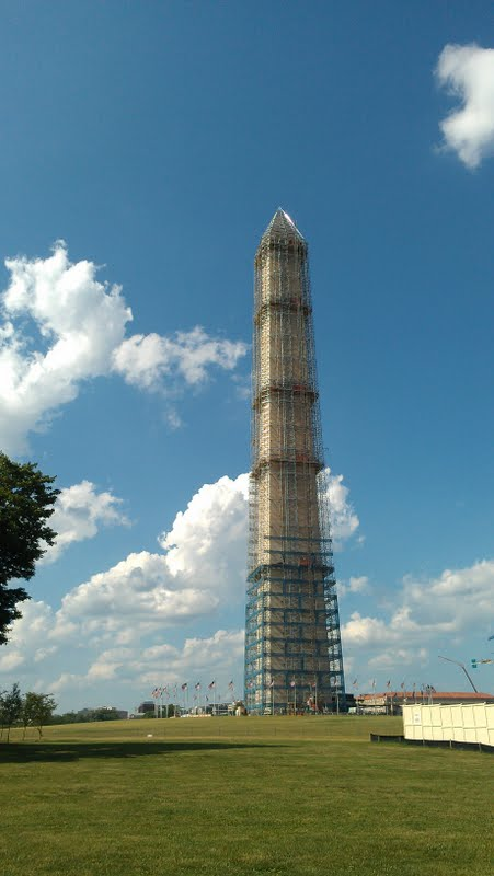 The poor Washington Monument still under construction after the earthquake of 2011 :(