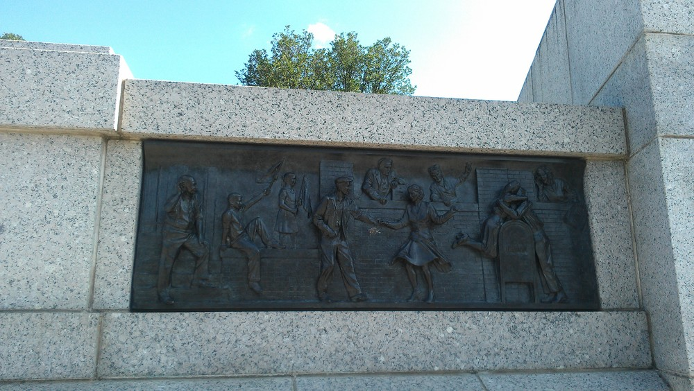 I loved these little engraved photo stories at the WWII memorial. This was the last one, of soldiers returning home.