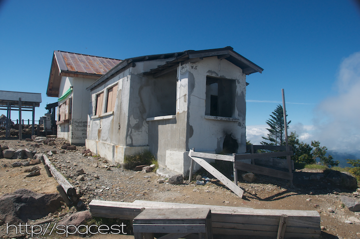 abandoned hut on the peak of Nantai