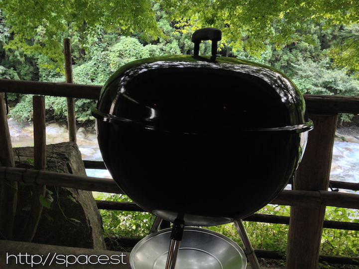 SPACE riverhouse BBQ weber.jpg