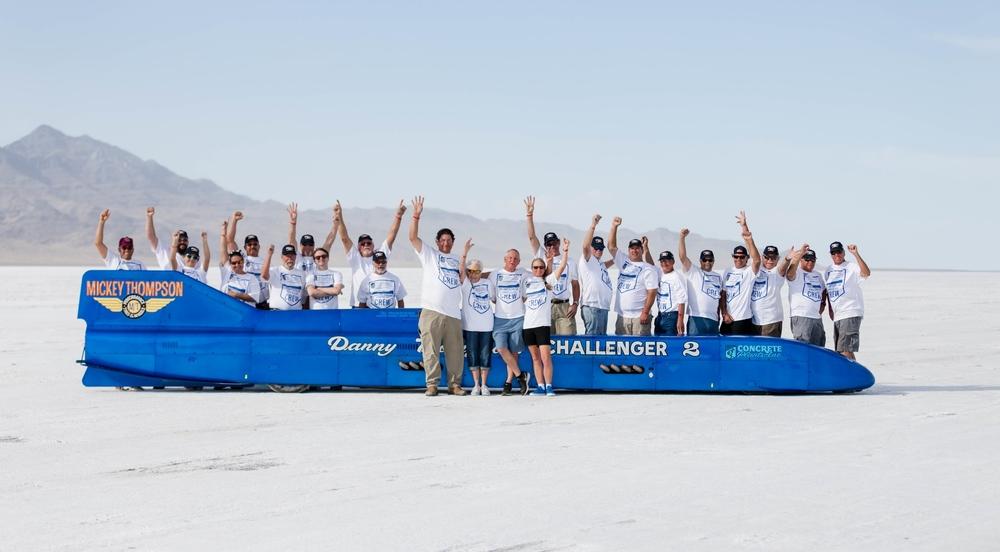 Nový svetový rekord 725,5 km/h pokoril 69-ročný dôchodca!