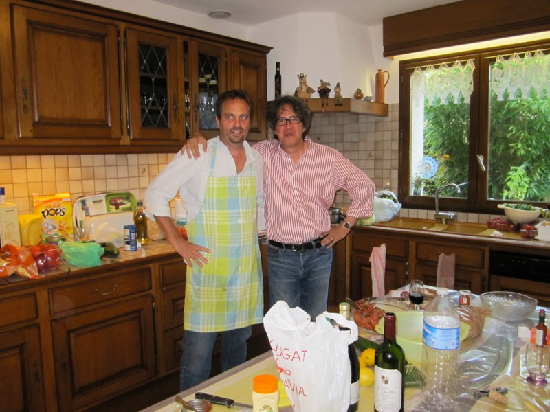 Michael Purugganan  (right) with Larry Gottschamer making dinner at Malika's house in Rennes.     ​