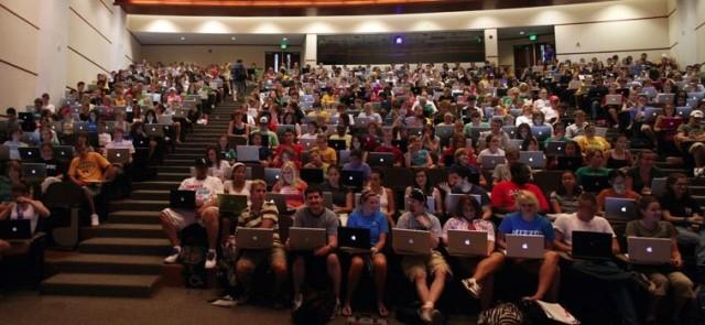macbooks-college-640x295.jpg