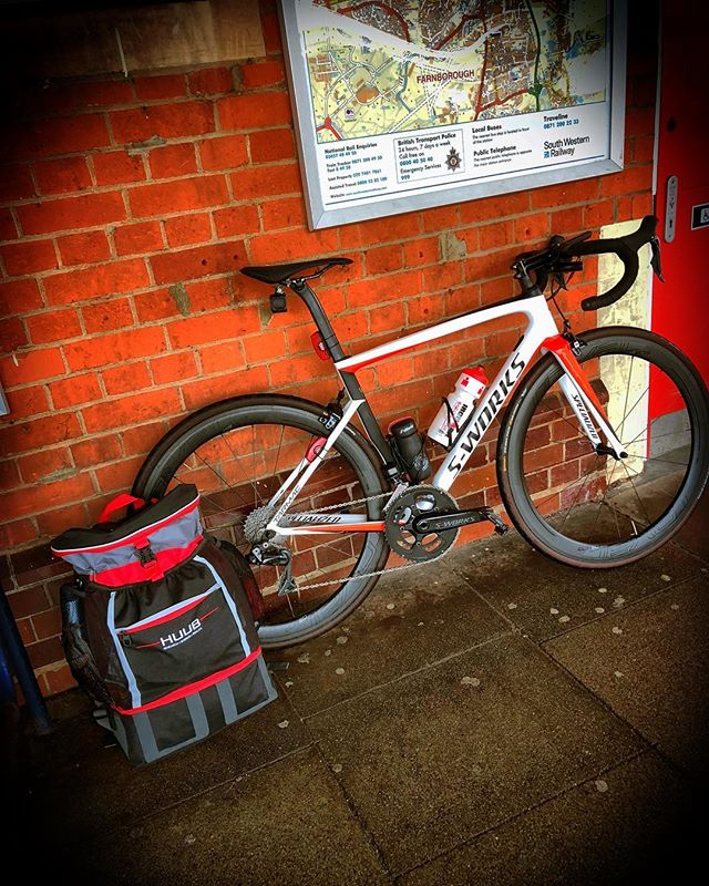 Not the usual commuter... . . .  #precisioncoaching #cycling #iamspecialized #iamspecialized_tri #iamspecialized_road #huub