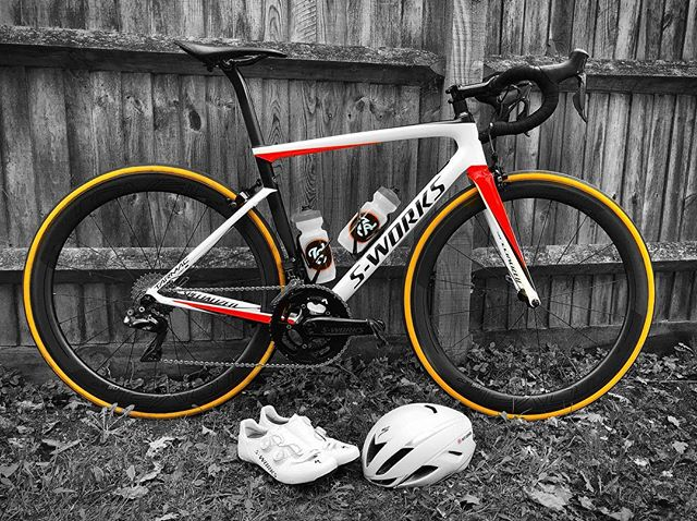 Cleaned, polished and glowing ready to take on some iconic roads in some beautiful surroundings and weather. . .  @iamspecialized_tri Tarmac, Evade 2 and SWORKS 7 looking sharp. . .  Where are you riding this weekend? . .  #precisioncoaching #iamspecialized #iamspecialized_tri #iamspecialized_road #powerlete #primesnacks #velosport