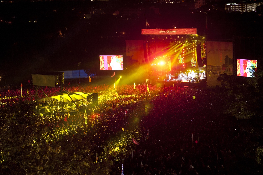 The crowd for Red Hot Chili Peppers (Photo Credit: Ashley Gorman)