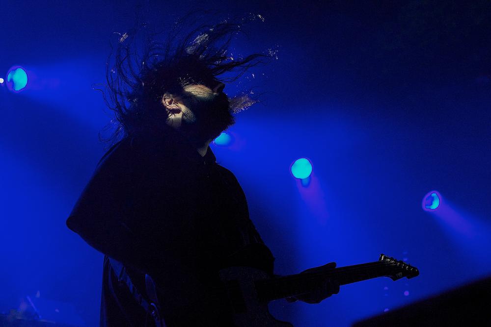 Deftones rocking the Fillmore crowd (Photo Credit: Robert Castro)