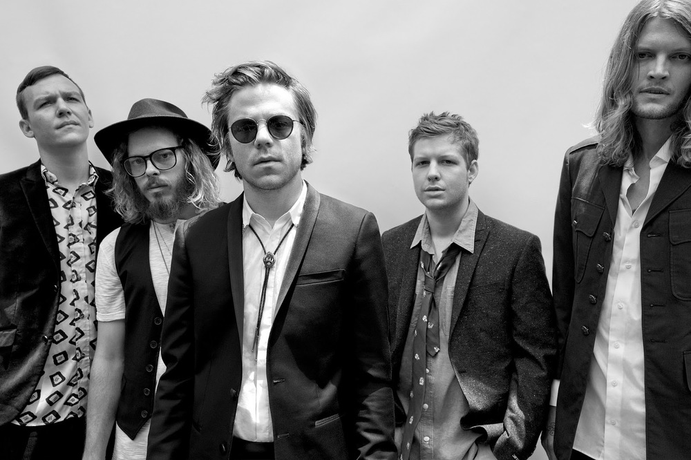 Cage The Elephant consists of singer Matt Shultz, guitarist Brad Shultz, bassist Daniel Tichenor, guitarist Lincoln Parish, and drummer Jared Champion